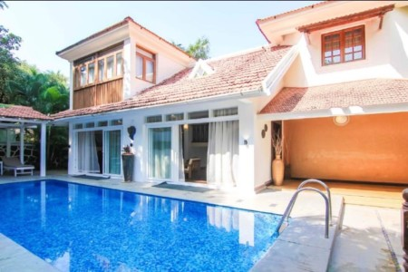 Luxe Holiday renting in Goa with friends and family 4 Bedroom Royal Pool Villa in Sinquerim Beach Fort Aguada Candolim Beach North Goa