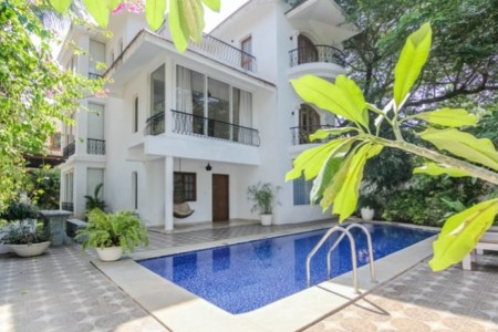 HNI Standards Holiday renting in Goa for Celebrities and VVIP clientele 5 Bedroom Presidential Villa in Sinquerim beach candolim near fort aguada in north goa